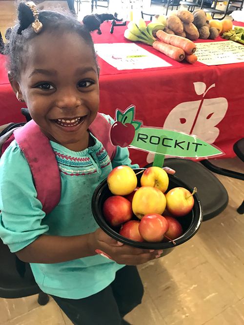 Brighter Bites recently partnered with Chelan Fresh to increase the consumption of the grower's Rockit® apples