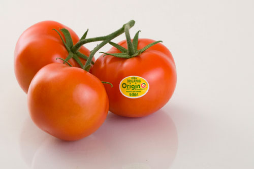 Oppy is showcasing its branded organic produce line, OriginO, which offers tomatoes, cucumbers, and peppers